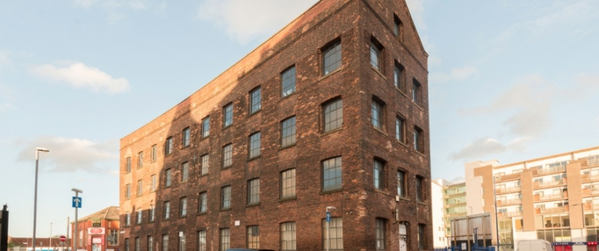 Manchester Northern Quarter former shoe shop and umbrella factory up for auction