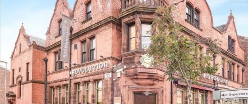Landmark Manchester bar goes up for auction
