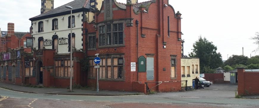 Iconic Ellesmere Port pub up for auction