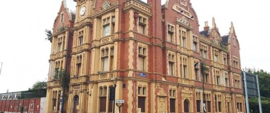 Manchester's Trafford Park Hotel goes up for auction